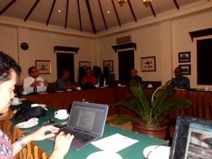 Suasana Rapat Pendiri dan pengurus harian LSU Pariwisata