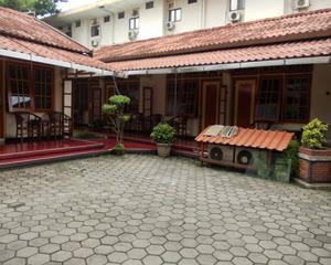 Hotel Dhina Finny Graha